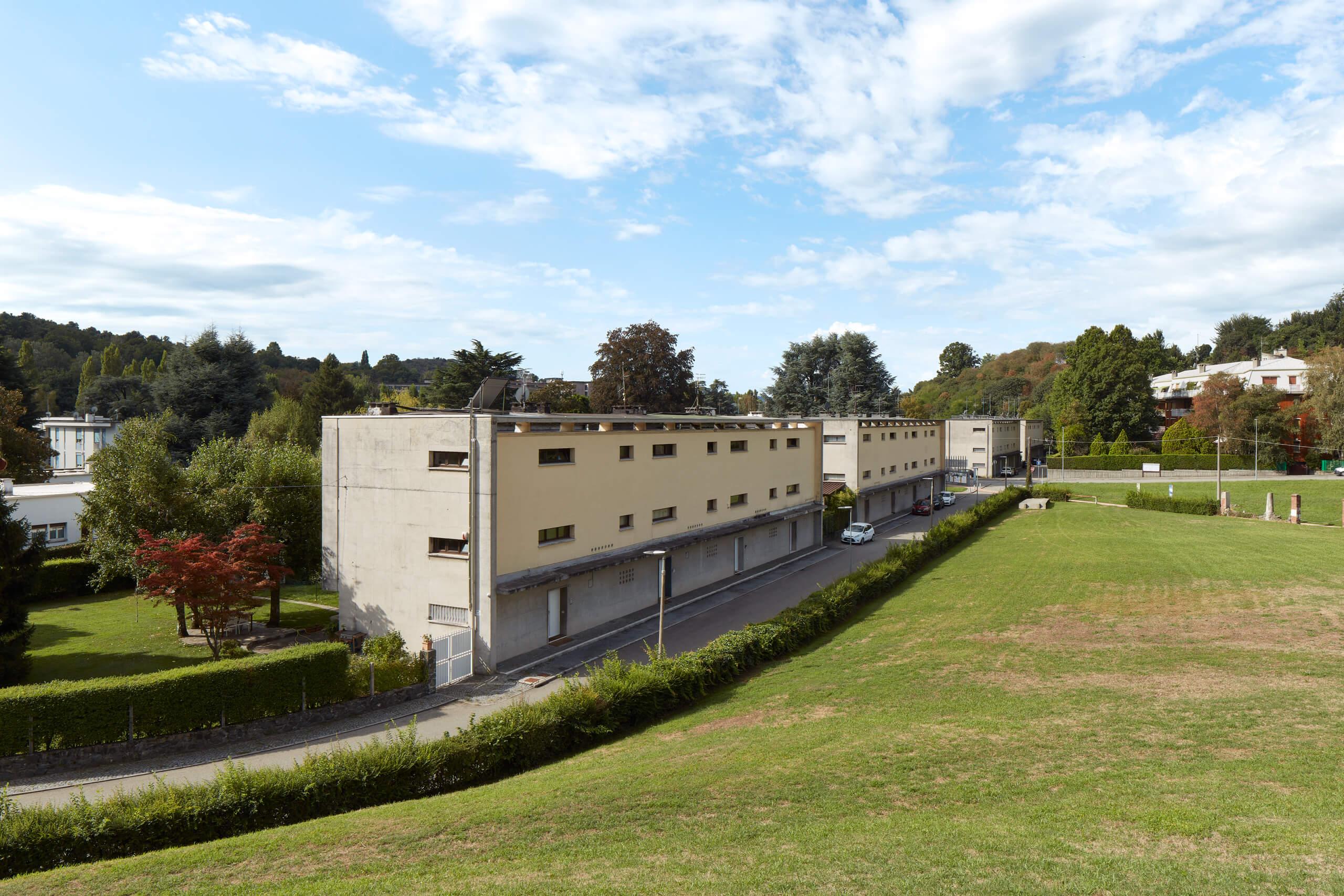 Case per famiglie numerose<br>Luigi Figini<br>Gino Pollini