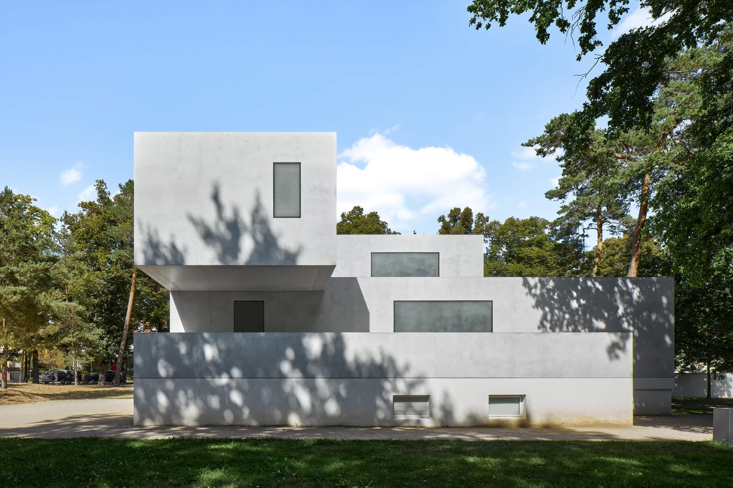 Neue Meisterhäuser<br>Bruno Fioretti Marquez